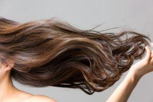 Qual a melhor de obter um cabelo saudável