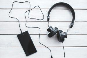 fones com fio a melhor alternativa ao fone ouvido bluetooth