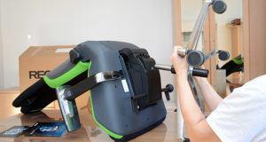 Montando as rodas da cadeira gamer